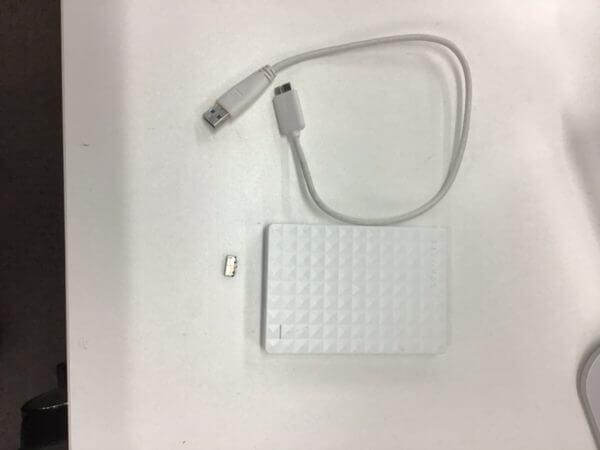 コネクタが破損してる外付けHDDのデータ復旧