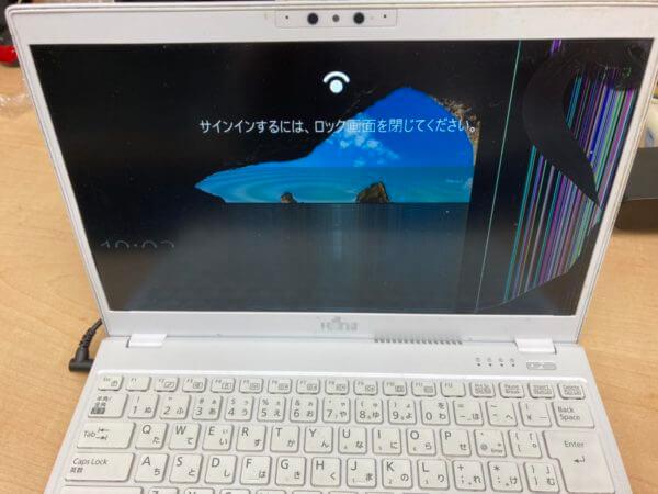 富士通ノートPC LIFE BOOK UH75/D3 の液晶パネル交換