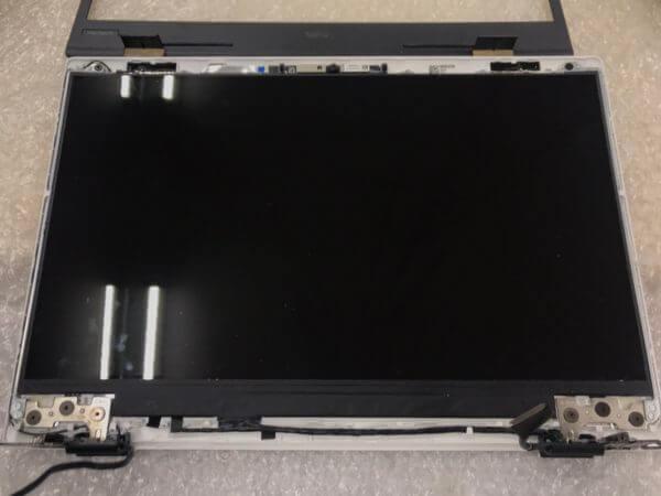 PC-HM750PAW_液晶フレーム取り外し