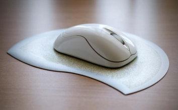 光学式、レーザー、BlueLED…無線マウスのタイプと選び方