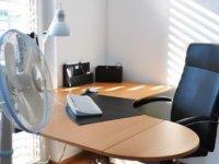 室温湿度が高くてパソコンが熱い!夏はPCの熱対策&湿気対策をしよう