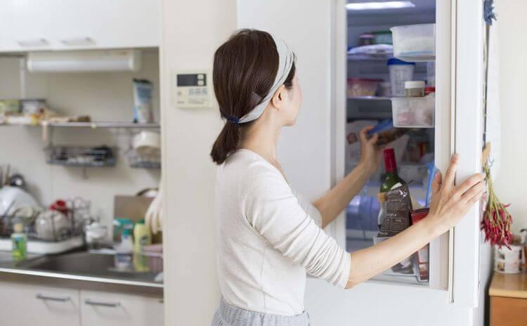 側面 熱い 冷蔵庫