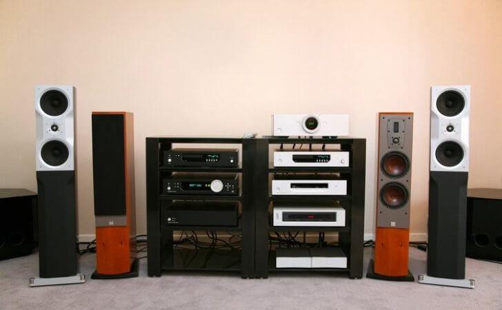 オーディオシステムの音質を向上させる簡単な方法
