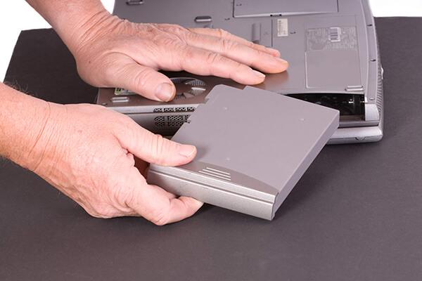 ノートパソコンのバッテリー