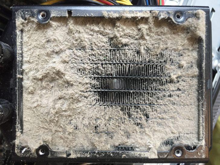 パソコン内部のほこり