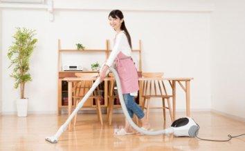 掃除機の吸引力低下を防ごう!フィルターやヘッドなど、掃除機の掃除方法