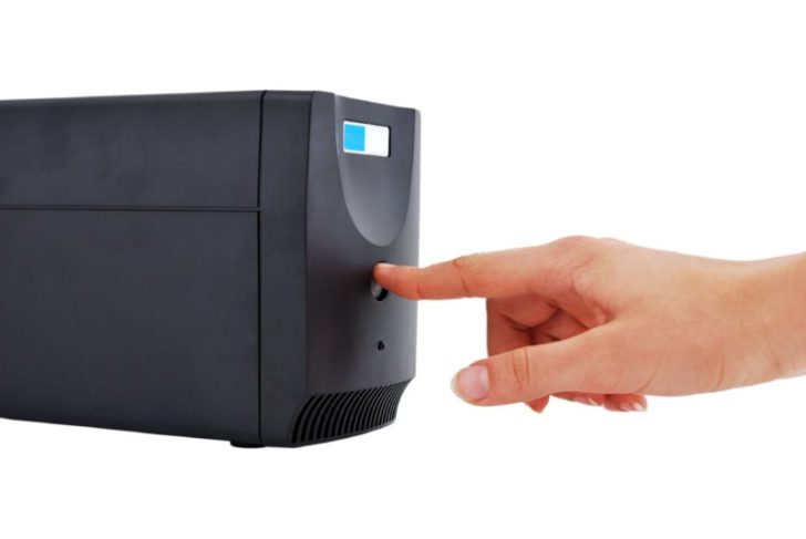 パソコンの停電対策にはUPS(無停電電源装置)がおすすめ!