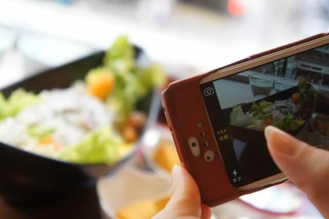 スマートフォンで写真を共有
