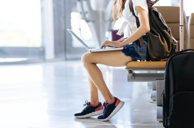 海外旅行にパソコンは必要?海外にパソコンを持っていく際の注意点