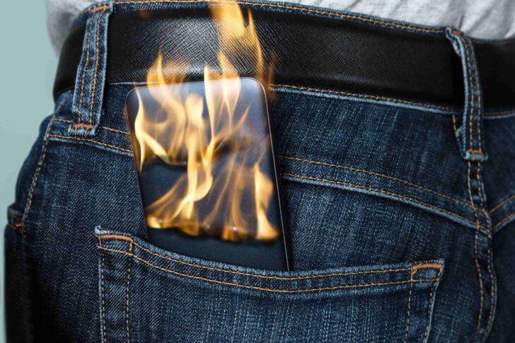 モバイルバッテリーが発火する理由は?