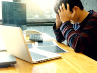 NECのパソコンが起動しない!4つの確認手順と原因別の対処方法