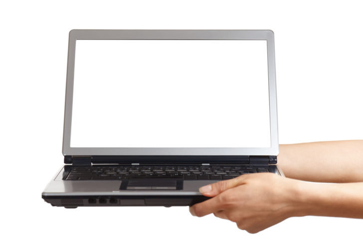 ノートパソコンを持ち上げる