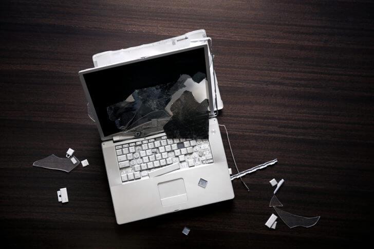 ノートパソコンを落とした場合は修理業者に相談しよう